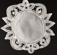 "8"" Doily - Set of 8"
